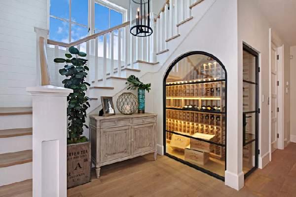 дизайн шкафа под лестницей, фото 28