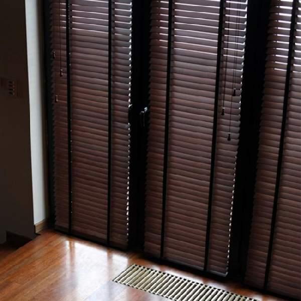 жалюзи на двери горизонтальные, фото 34