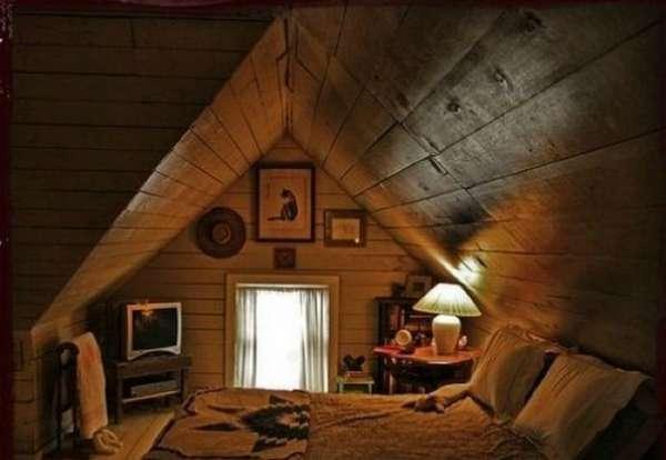интерьер спальни в деревянном доме, фото 36