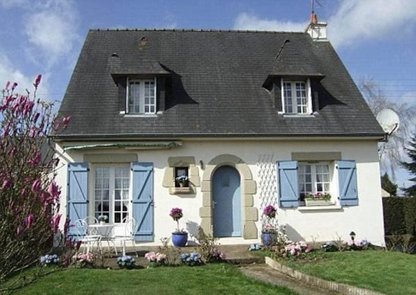 красивые одноэтажные дома с мансардой, фото 53