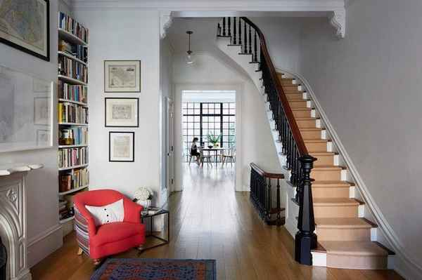 дизайн прихожей в доме с лестницей, фото 6