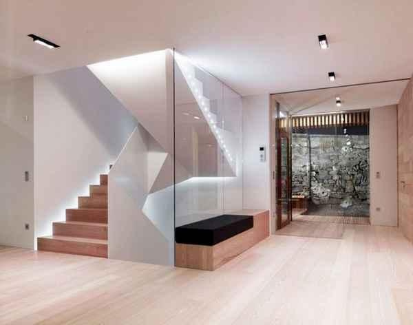 дизайн прихожей в частном доме с лестницей, фото 19