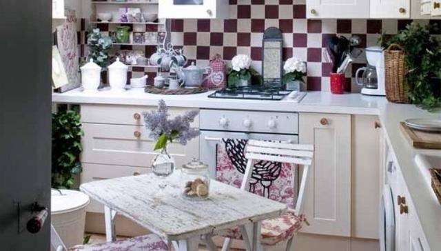 маленькая кухня в стиле прованс в хрущёвке фото
