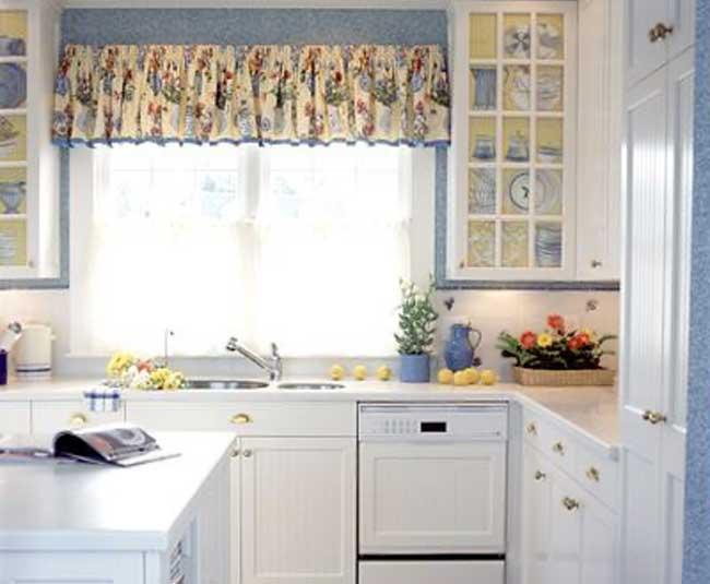 маленькая угловая кухня в стиле прованс фото