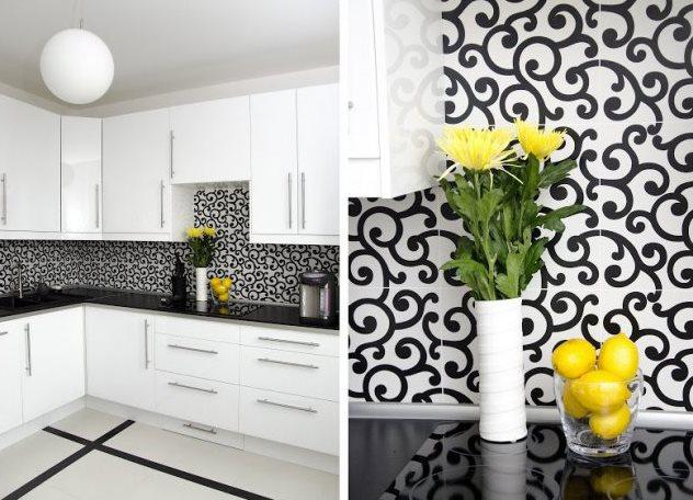чёрно-белые обои на кухне