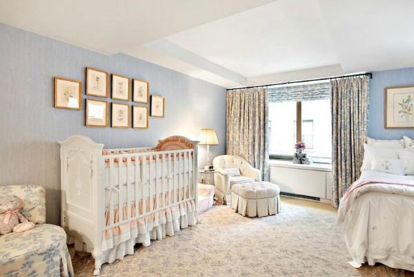 красивый интерьер спальни с детсой кроваткой