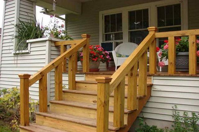 крыльцо для частного дома из дерева фото