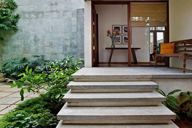 крыльцо дома из бетона