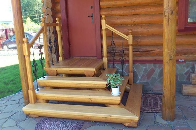крыльцо загородного дома деревянное фото
