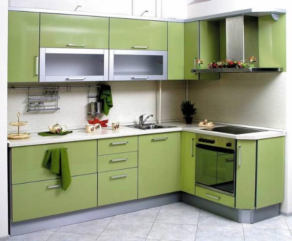 угловая кухонная мебель оливкового цвета для хрущёвки