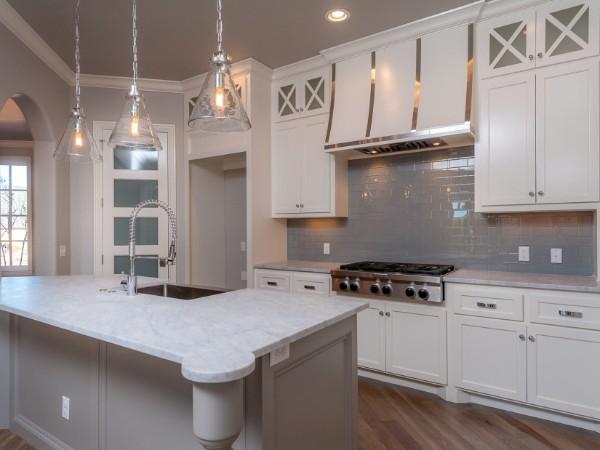 встроенная кухонная мебель с островом