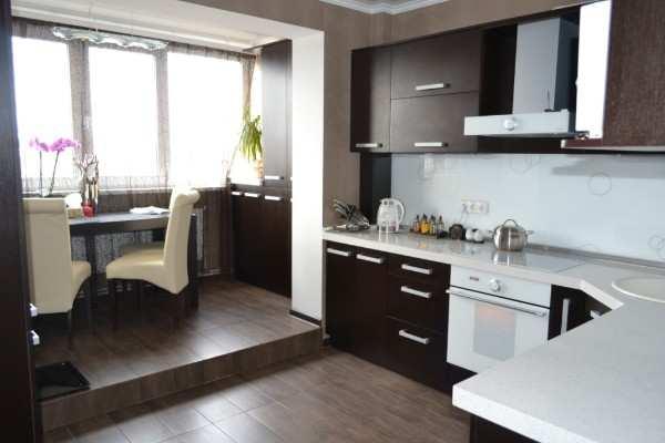 интерьер кухни 9 метров с балконом, фото 2