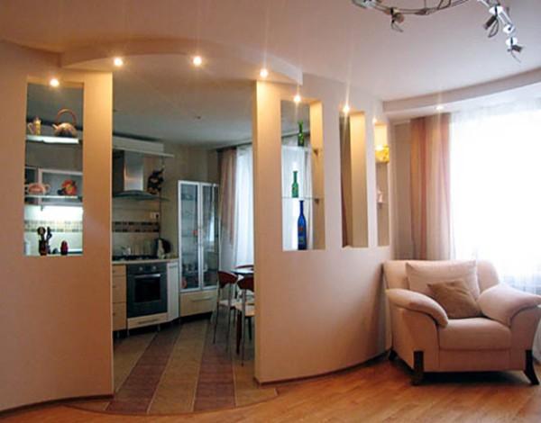 оформление пола в кухне совмещённой с гостиной