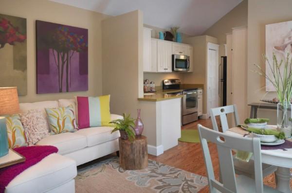 в кухне гостиной контрастные цветовые решения