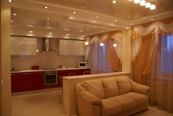 дизайн гостиной объединённой с кухней тёплый цвет