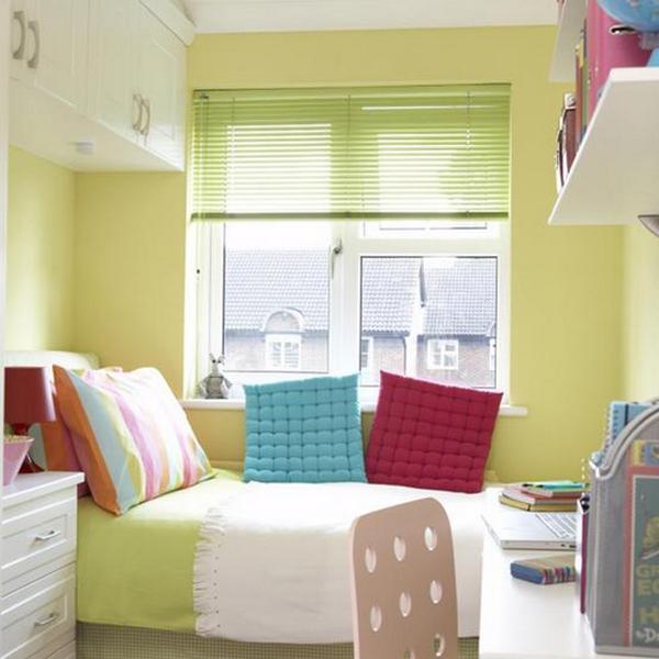 красивые подушки в спальню