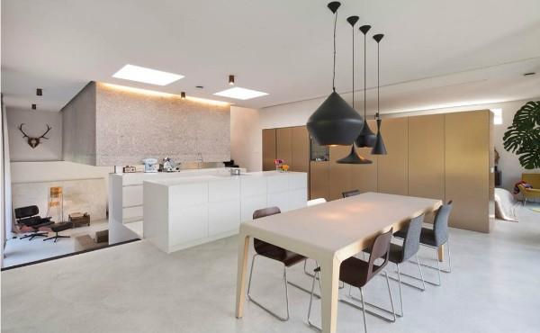 просторный дизайн гостиной объединённой с кухней