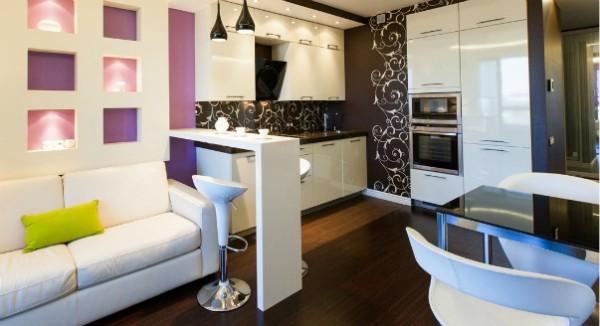 стильный интерьер гостиной объединённой с кухней с барной стойкой