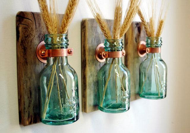 вазы на стене кухни