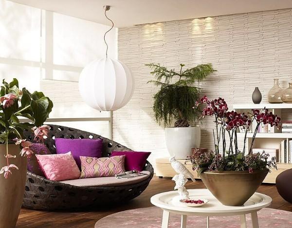 яркий дизайн гостиной растения как часть декора