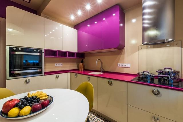 глянцевые фасады для маленькой кухни