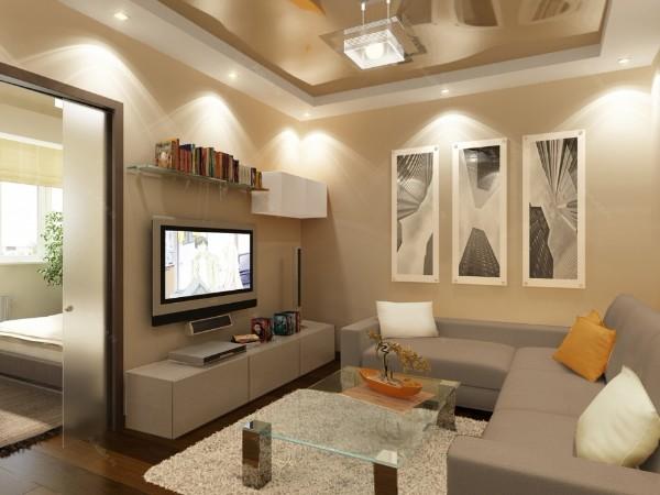 интересный дизайн бежевой гостиной с глянцевым потолком где мало солнечного света