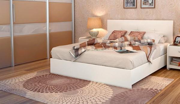 ковёр с цветочным принтом в бежевой спальне