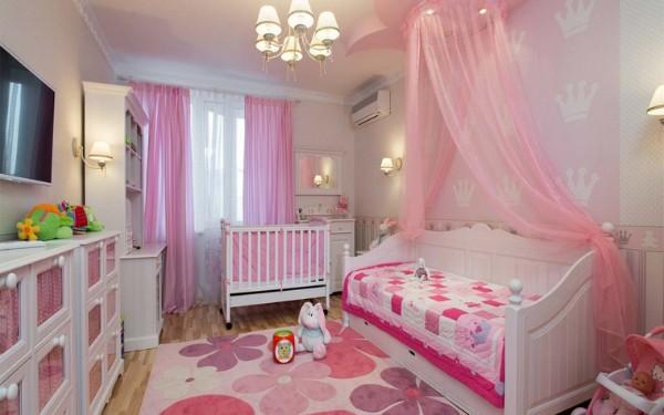 миый ковёр на полу в детской для девочки