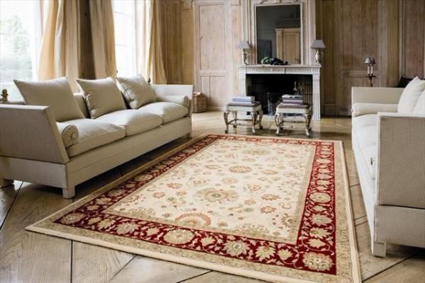 уютный интерьер гостиной ковёр на полу