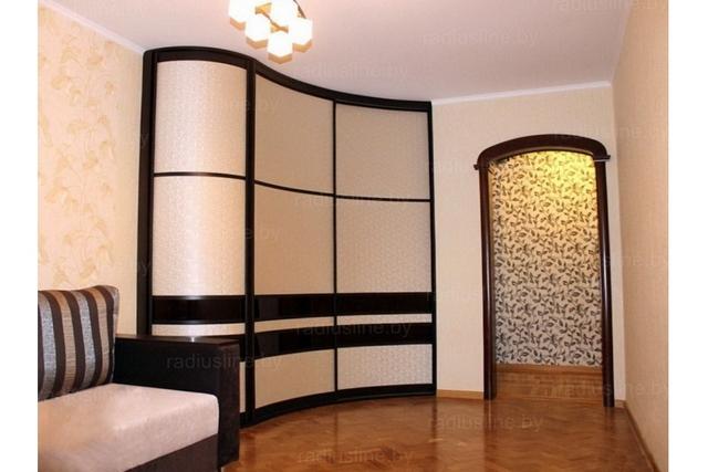 комбинированый угловой радиусный шкаф для гостиной