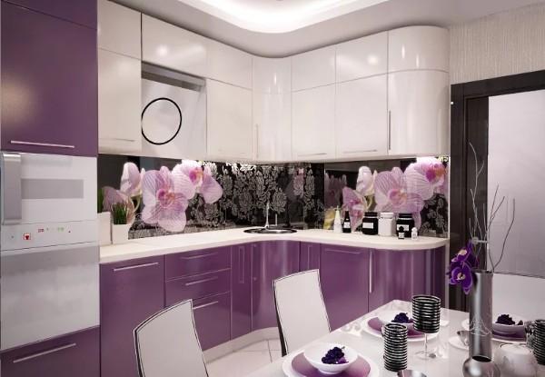угловой кухонный гарнитур с сиреневыми фасадами для кухни