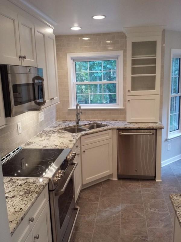 бежевая угловая кухня для маленькой кухни фото