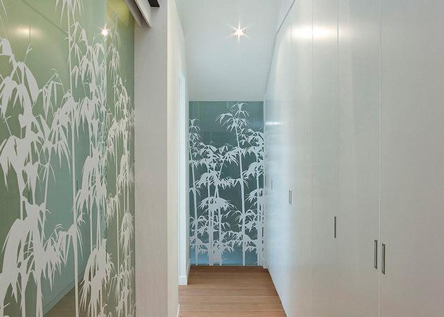 дизайн длинного узкого коридора в квартире