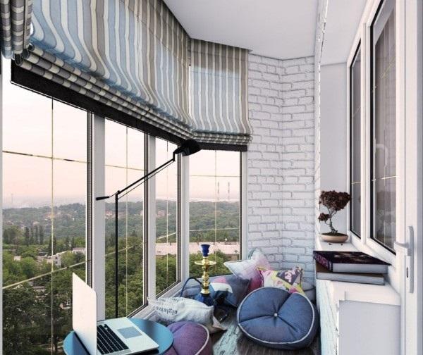 дизайн маленького балкона с панорамным остекленением
