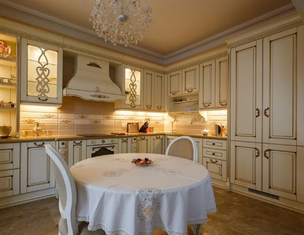 фасад кухни молочного цвета неоклассика