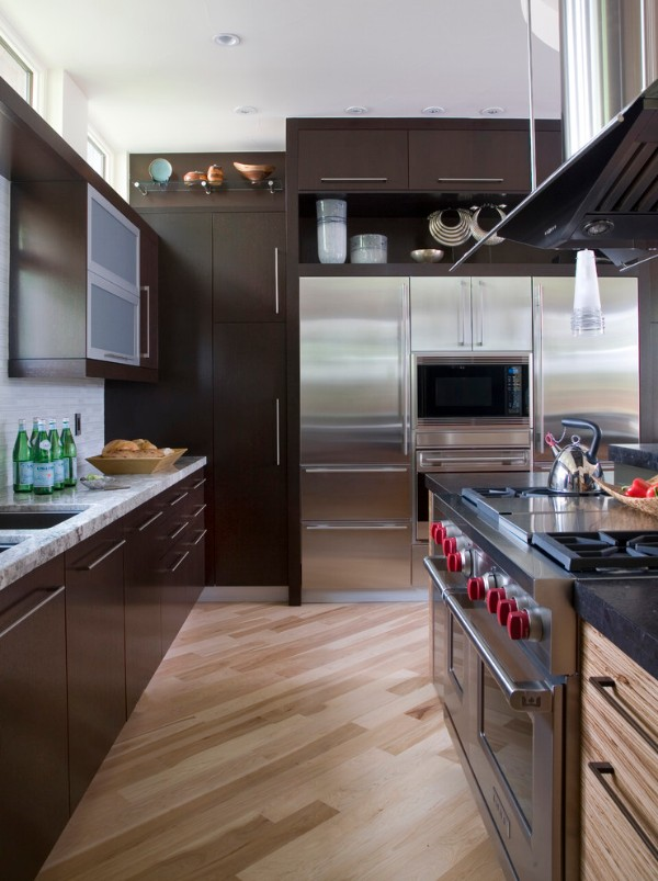фасад кухни шоколадного цвета