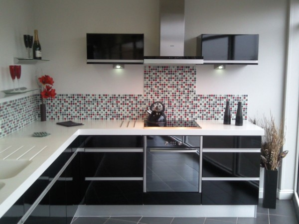 фото кухонный гарнитуров угловых для маленькой кухни