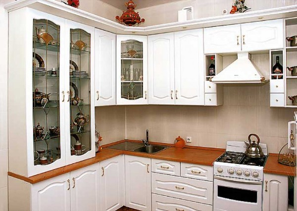 красивые кухонные гарнитурвы для маленькой кухни угловые