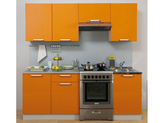 маленький кухонный гарнитур для хрущёвки на фото