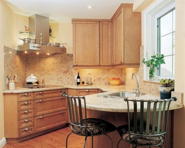 нестандартный дизайн маленькой угловой кухни