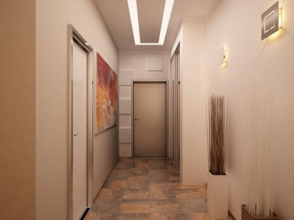 песочный цвет в дизайне длинного коридора в квартире