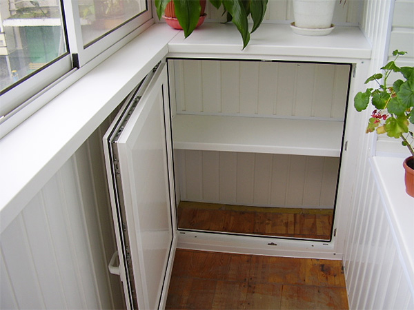 шкафчики на балкон из вагонки
