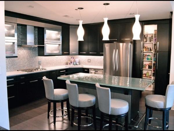 угловой кухонный гарнитур для кухни чёрный