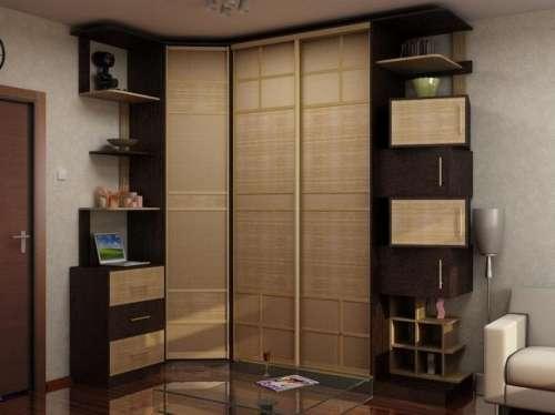 угловой шкаф в гостиной фото