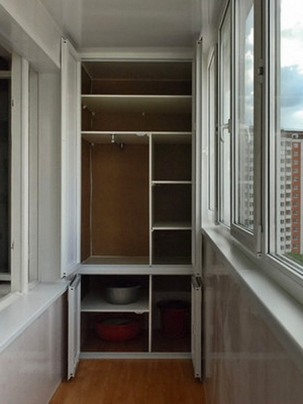 угловой шкафчик на балкон фото