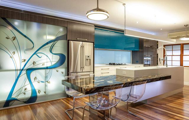 большая кухня гостиная в частном доме