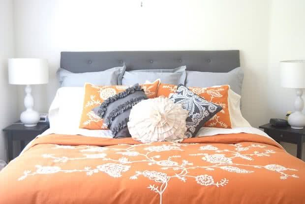 как сделать осенний декор комнаты дизайн кровати