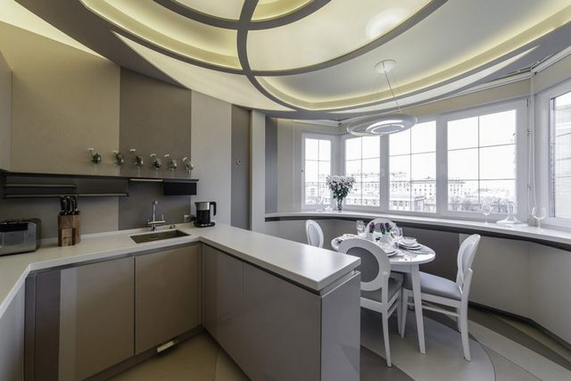 кухня на балконе в квартире студии