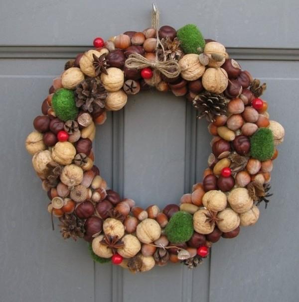 осенний декор своими руками венок из каштанов и орехов