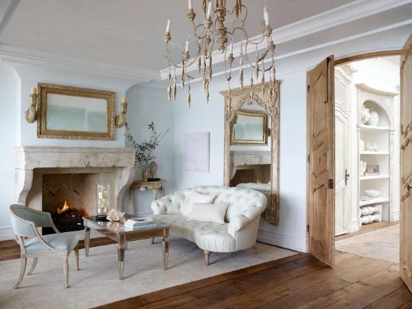 дом во французском стиле роскошный интерьер гостиной